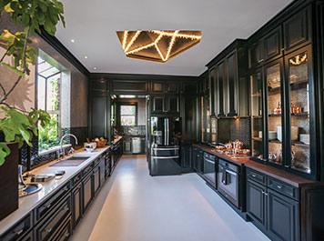 Biscotti Chadwick Kitchen Cabinets